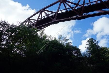 あやとり橋の外観