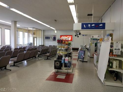 八丈島空港の出発ゲート