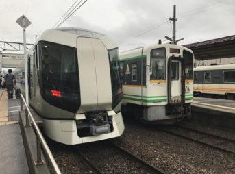 会津田島駅での特急リバティ