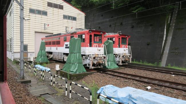 アプトいちしろ駅にあるアプト式機関車