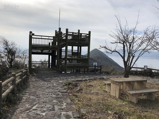 女木島の山頂展望台