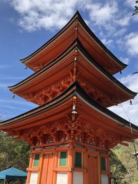 竹生島の宝厳寺三重塔
