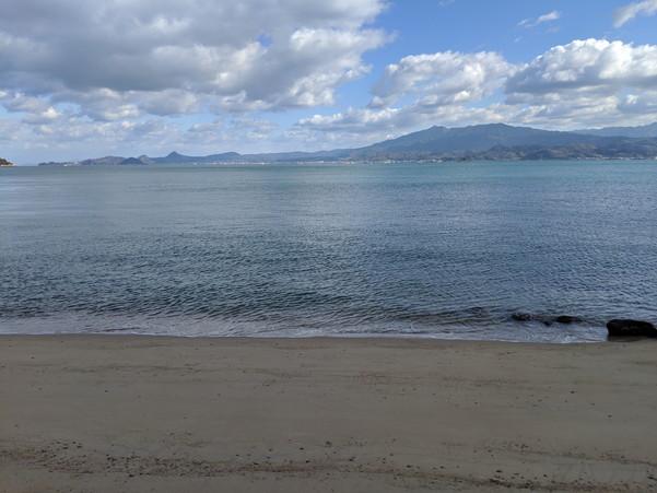 興居島の砂浜と海岸