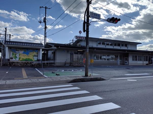 JR呉線の忠海駅前