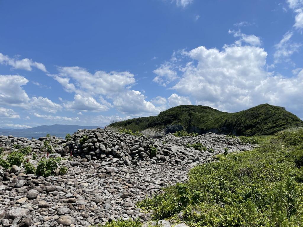 相島積石塚群