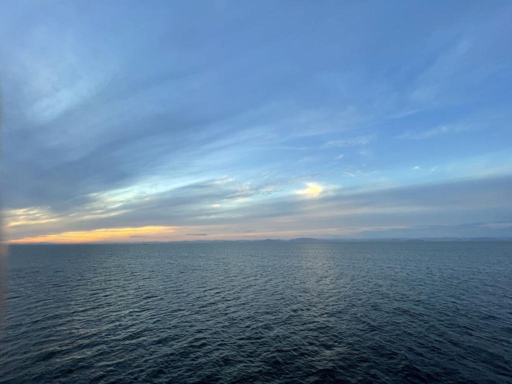 東京九州フェリー甲板からの夕焼け