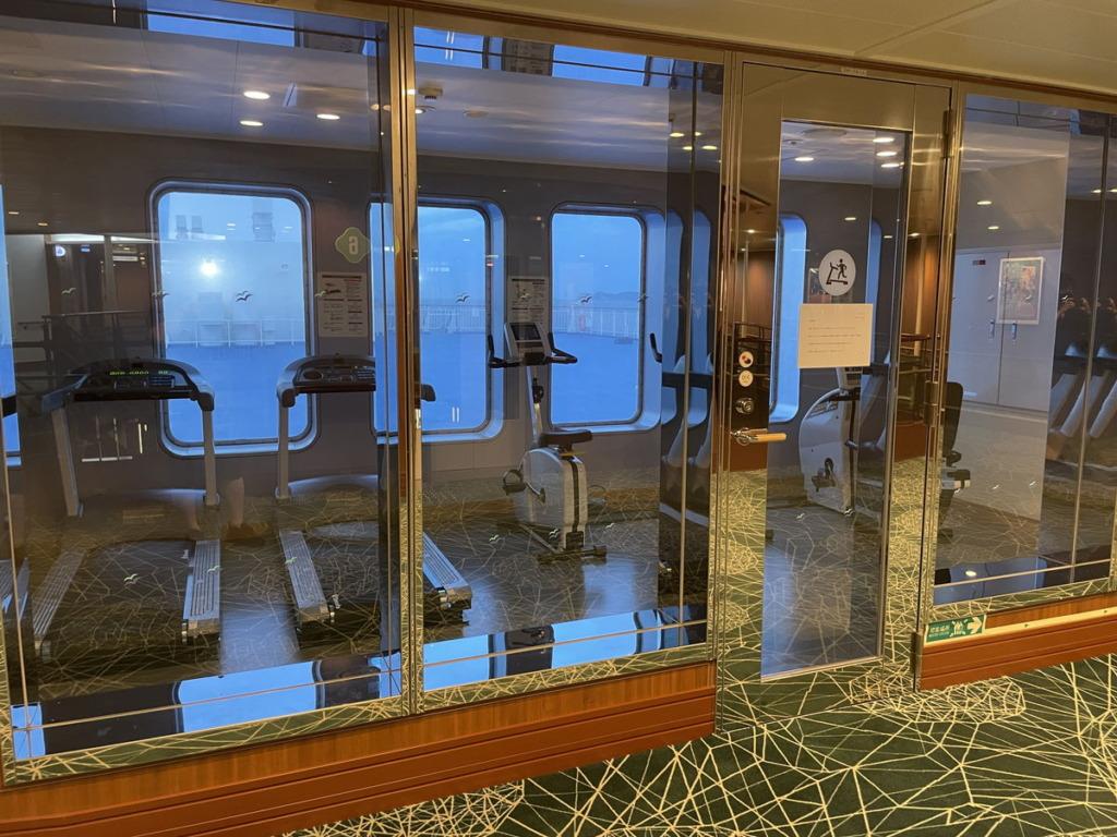 6階デッキにあるスポーツ機器が使える部屋