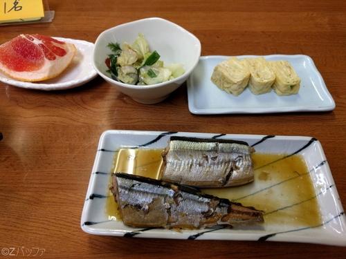 青ヶ島の民宿ビジネス宿中里の昼食