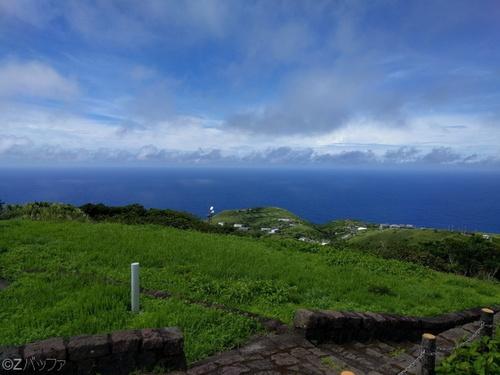 青ヶ島、尾山展望公園から海側の眺め