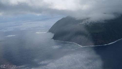 ヘリからの青ヶ島