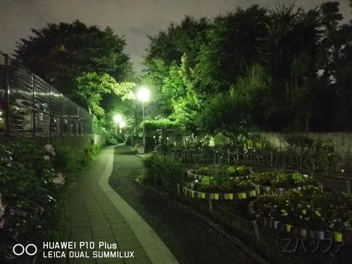 P10プラスのカメラによる夜景写真