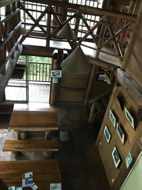 奥大井湖上駅の休憩所内部