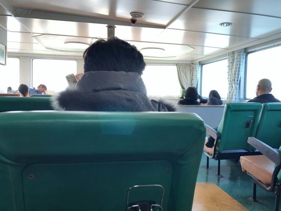めおん2号の船内客室の様子