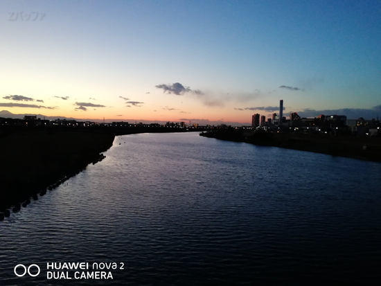 nova 2で撮影した多摩川の写真