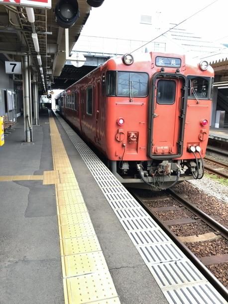 氷見行きの氷見線を高岡駅にて