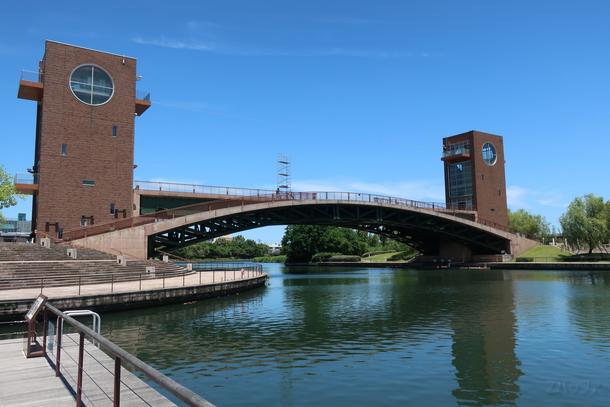 環水公園の天門橋