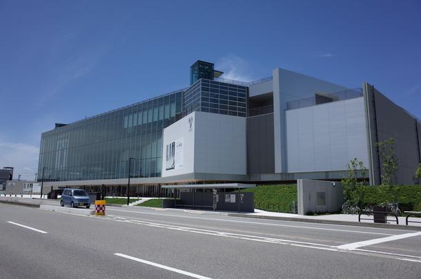 富山県立美術館