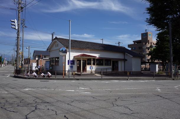 富山ライトレールの東岩瀬駅