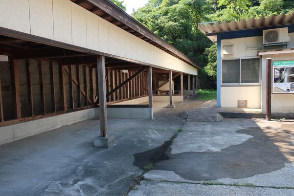 筒石駅の駐輪場