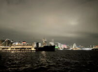iPhone12 miniのカメラで撮影した横浜の夜景